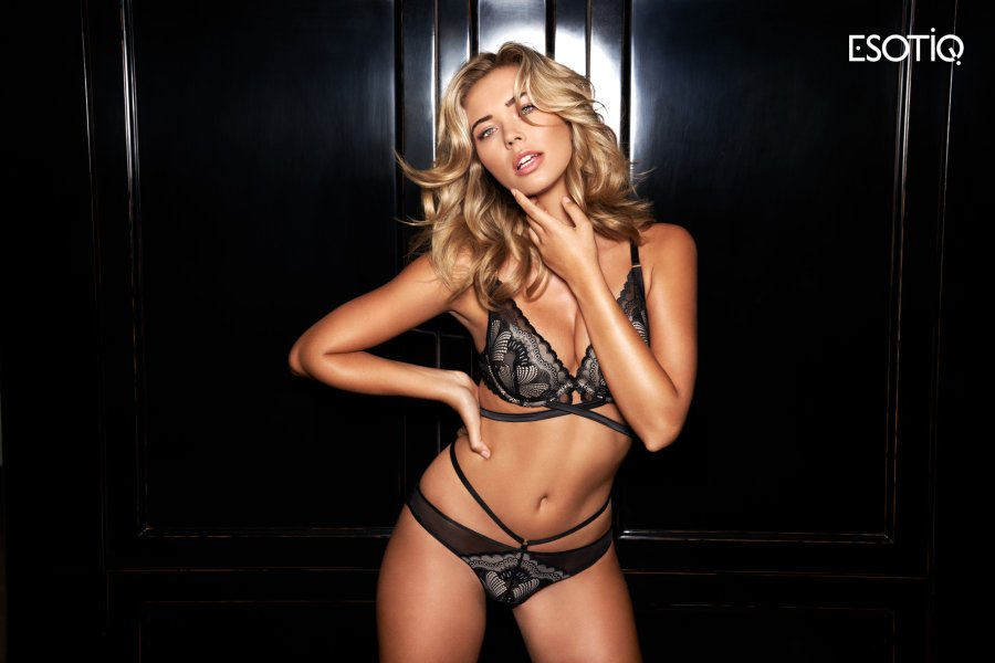ESOTIQ X SANDRA KUBICKA AW19 20 1 Stronger and sexier than ever before Esotiq x Sandra Kubicka Jesie 2019