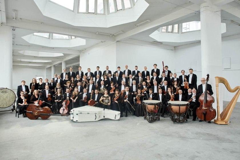 Sinfonia Varsovia fot Bartek Barczyk Marzec z Sinfoni Varsovi 8211 wi tujemy jej 36 urodziny