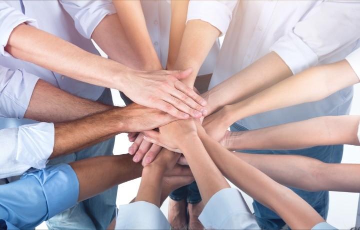 Pomagamy FLOSLEK wspiera personel medyczny walcz cy z epidemi koronawirusa