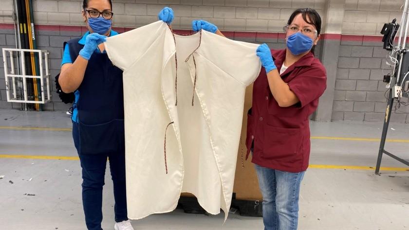 Gown5 Kontoor Brands b dzie produkowa i dostarcza jednorazow odzie ochronn do szpitali w zwi zku z pandemi COVID 19